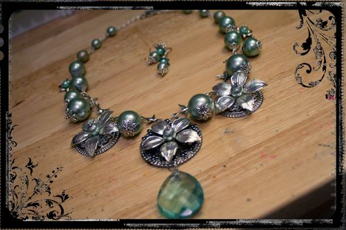Silver-Blue Flower Necklace 1