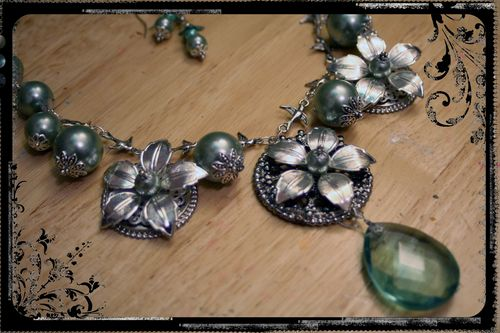 Silver-Blue Flower Necklace 2
