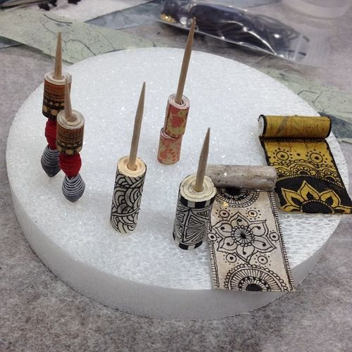 Taking_another_class..._Making_tangled_paper_beads_to_make_necklaces._Fun___zentangle
