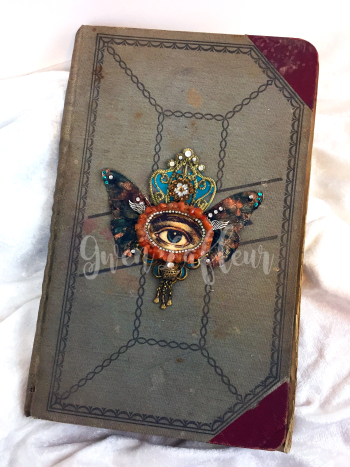 Mini Mixed Media Medallion 1 - Book Cover - Gwen Lafleur