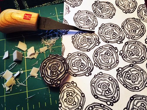 Carve December 2015 - Wonky Circle and Bubble Stamp - Gwen Lafleur