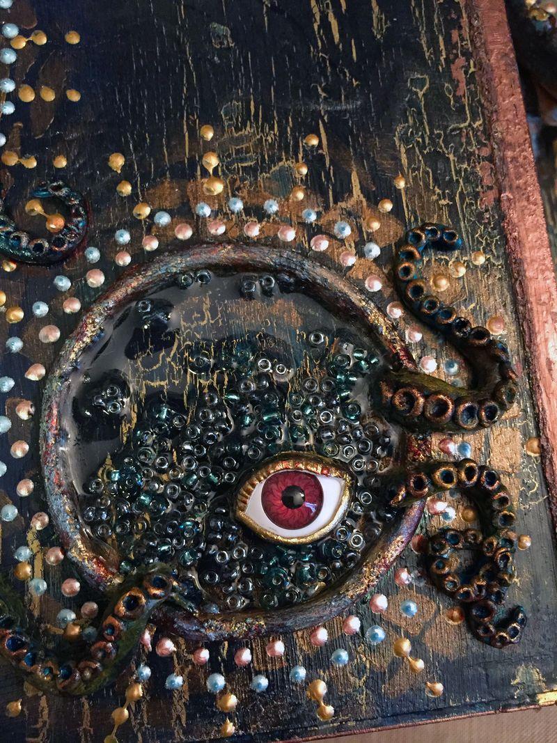 Into the Deep Assemblage - Close-up 1a - Gwen Lafleur
