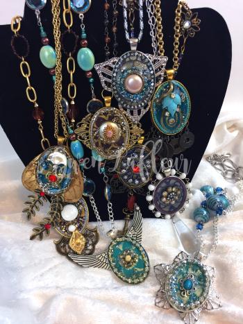 Stenciled Statement Necklaces - Gwen Lafleur