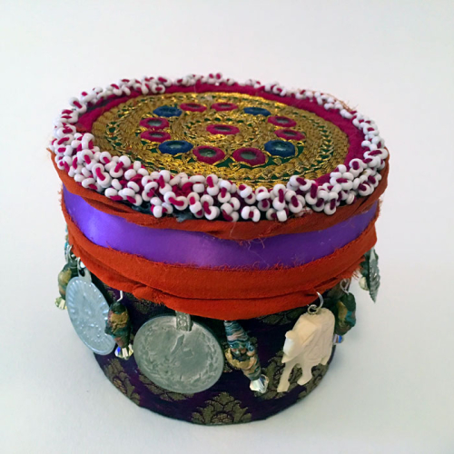 Decorative-Box-with-Beaded-Kuchi-Medallion-Lid---Linda-Edkins-Wyatt