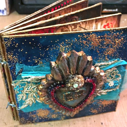 4x4 Mini Art Journal Class Sample - Outside - Gwen Lafleur