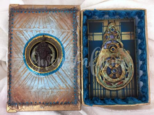 StencilGirl - Amazing Casting - Deco Book and Box - Inside - Gwen Lafleur