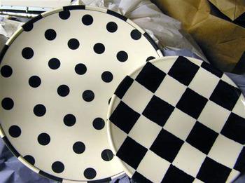 Polka_dot_plates